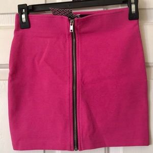 H&M DIVIDED BACK ZIPPER SKIRT